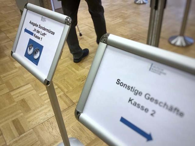 Erstausgabe 10-Euro-Münze 2019 Schalter Bundesbank Hannover