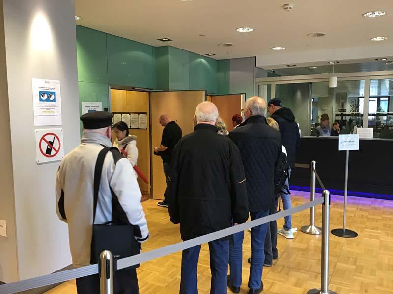 Bundesbank Hannover Warteschlange 10-Euro-Münze 2019