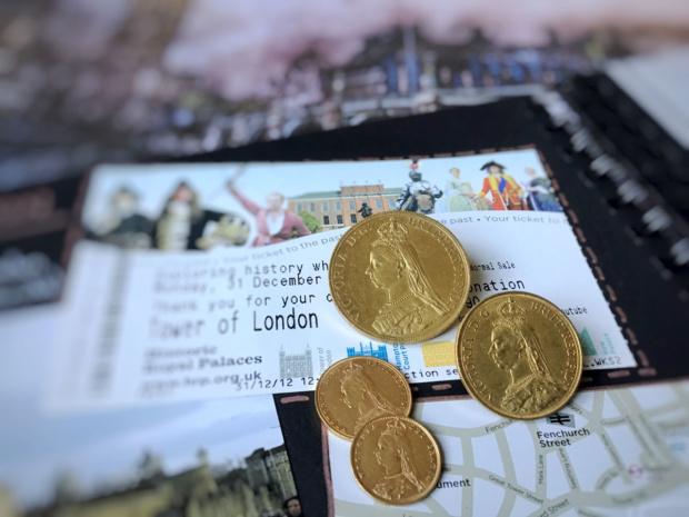 Königin Victorias Sovereign-Goldmünzen mit Jubilee Head (Vorderseiten) | MDM-Blog